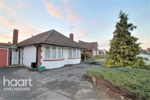 3 bedroom bungalow to rent - Chignal Road