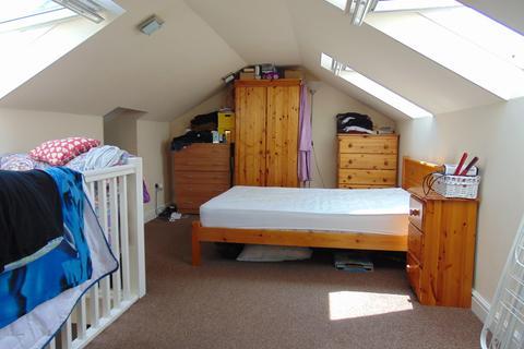 Studio to rent - Priory Road, Southampton