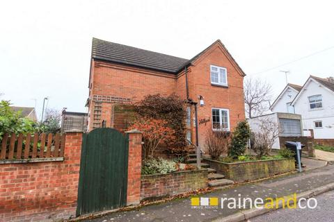 3 bedroom detached house for sale - Great North Road, Hatfield, AL9