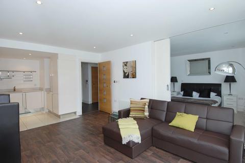 1 bedroom flat to rent - Howard Building, Chelsea Bridge Wharf, Queenstown Road, Battersea, SW8