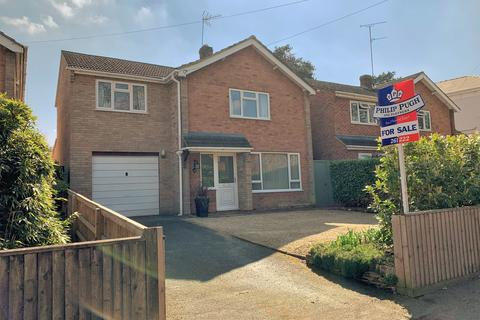 3 bedroom detached house for sale - Near Battledown, GL52