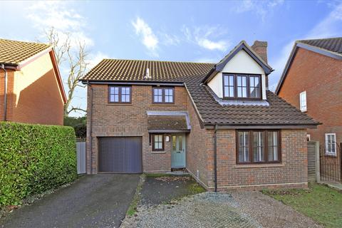 4 bedroom detached house for sale - Lichfield Close, Chelmsford
