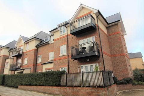 3 bedroom apartment to rent - Chelmsford Road, Southgate, N14