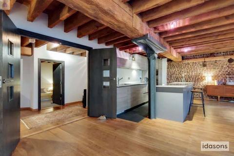 2 bedroom flat for sale - Flat C,  Hertsmere Road, London