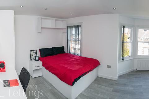 Studio to rent - Extra Large Studio, 30 Demontfort Street, Leicester, LE1 7GW