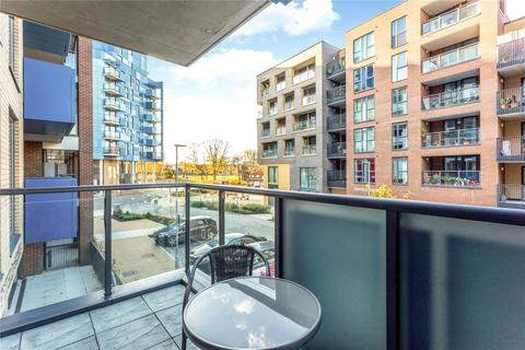 2 bedroom flat for sale - Poppyfield House, Copperwood Place, London, SE10