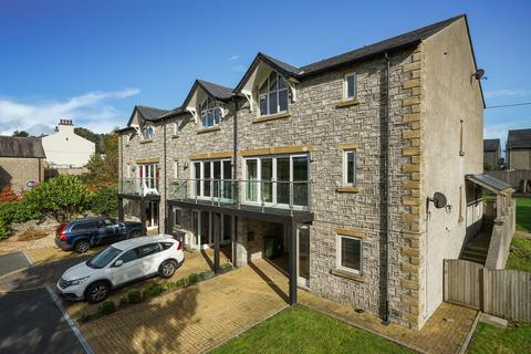 4 bedroom townhouse for sale - Scotland Court, Church Street, Milnthorpe
