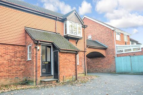 2 bedroom apartment to rent - Finch Close, Tadley, Hampshire, RG26