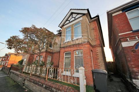 4 bedroom semi-detached house to rent - Hankinson Road, Bournemouth,