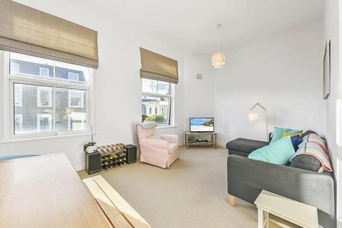 2 bedroom flat for sale - Axminster Road, London N7