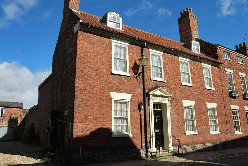 7 Bedrooms Town House for sale in Newbegin, Beverley