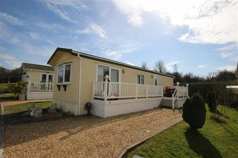 22dc8a21cd 2 bedroom park home for sale - HOLIDAY HOME