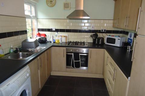 5 bedroom terraced house to rent - Welland Street, Leicester