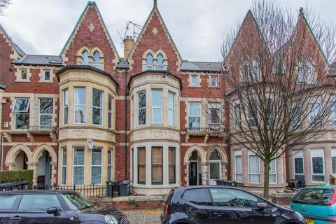 1 bedroom flat for sale - Connaught Road, Cardiff