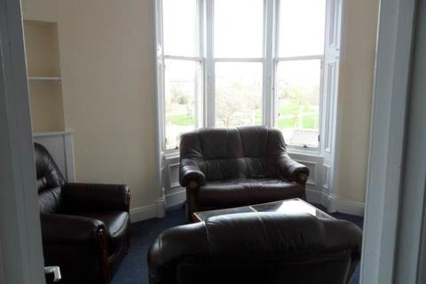 2 bedroom flat to rent - Stirling Street , , Hilltown