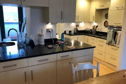 2 bedroom apartment to rent - Dock Street