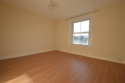 3 bedroom apartment to rent - 25 VICTORIA ROAD, SURBITON KT6