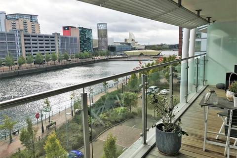 2 bedroom apartment for sale - N V Buildings, 100 The Quays, Salford, M50 3BE