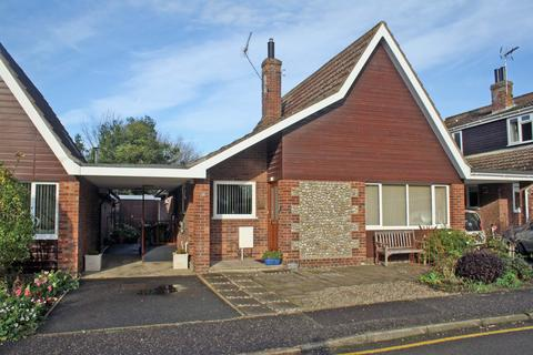 2 bedroom detached bungalow for sale - Town Close, Holt NR25