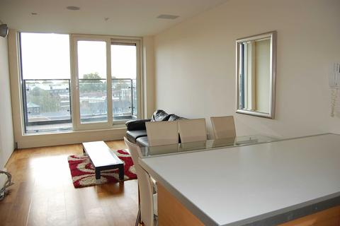 2 bedroom flat to rent - Peninsula Apartments, London, W2