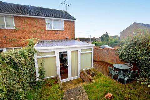 2 bedroom end of terrace house for sale - Brussels Way, Luton, Bedfordshire, LU3 3TJ