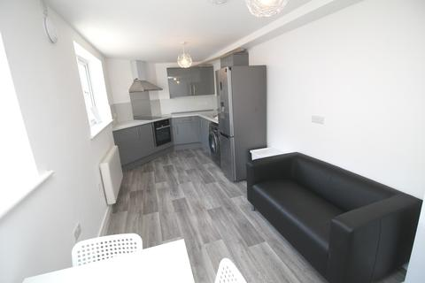 3 bedroom flat to rent - Kingston Road, Portsmouth