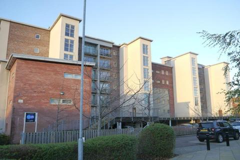 2 bedroom apartment for sale - STUNNING RIVER VIEWS The Staithes, North West Side, Gateshead