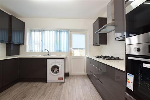 4 bedroom terraced house for sale - Keswick Gardens, Redbridge, Ilford, Essex
