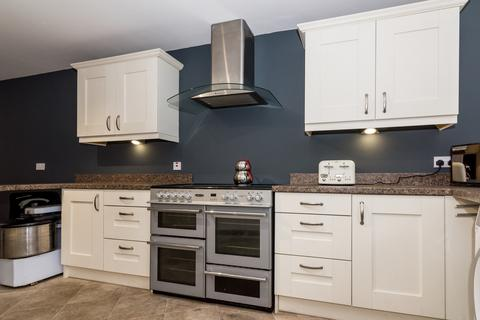 3 bedroom flat to rent - Birmingham Road, Water Orton, Birmingham, Warwickshire, B46
