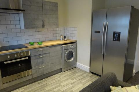3 bedroom apartment to rent - Town Street, Horsforth
