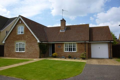 3 bedroom chalet to rent - The Howards, North Wootton