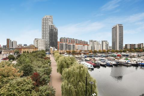 2 bedroom apartment to rent - Boardwalk Place, E14