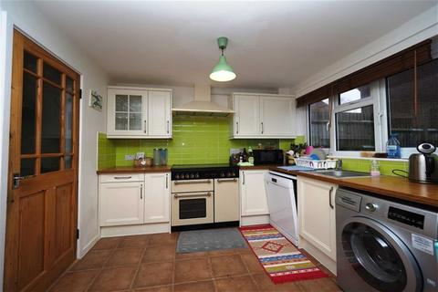 3 bedroom terraced house to rent - Hatton Close, Plumstead, London, SE18