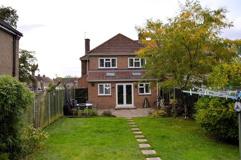 4 bedroom semi-detached house for sale - Bishops Road, Gaywood