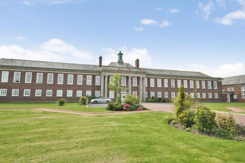 2 bedroom apartment for sale - Queens Manor, Clifton Drive South, Lytham St Annes