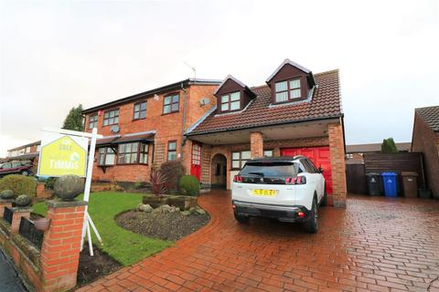 5 bedroom semi-detached house for sale - Heatherleigh Grove, Birches Head, Stoke-On-Trent