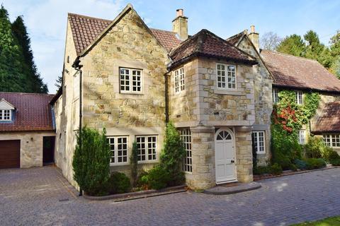 6 bedroom detached house for sale - Runnymede Road, Darras Hall, Ponteland, Newcastle upon Tyne, NE20