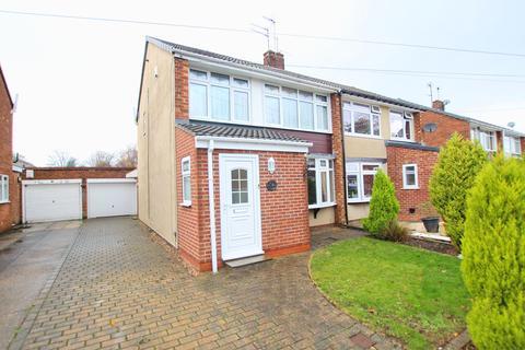 3 bedroom semi-detached house for sale - Langdale Crescent, Cottingham, HU16