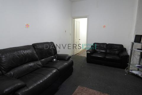 6 bedroom terraced house to rent - Equity Road, Leicester