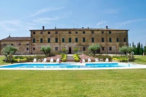 8 bedroom farm house - Tenuta Petriolo, Siena, Tuscany
