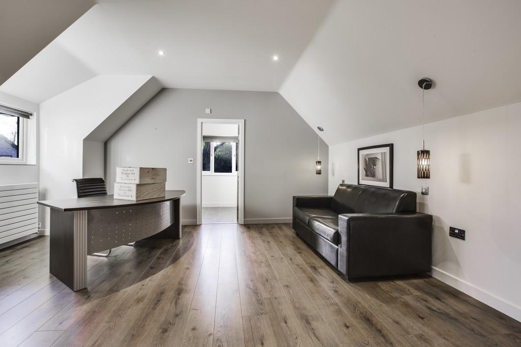Annex galleried bedroom/ office