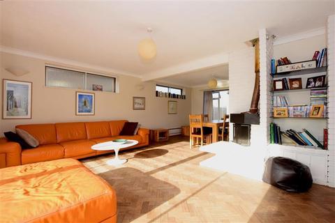 5 bedroom detached house for sale - Surrenden Crescent, Brighton, East Sussex