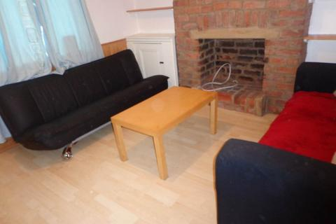 4 bedroom house to rent - Treorky Street, Cathays, Cardiff