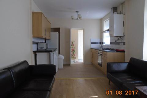 6 bedroom house to rent - Arran Street, Cathays, Cardiff