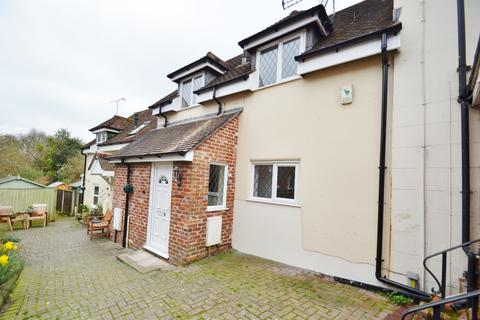 2 bedroom terraced house to rent - Fordingbridge