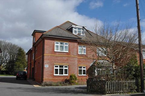 2 bedroom apartment to rent - Poole