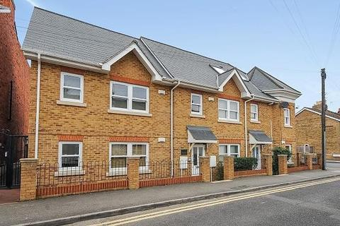 2 bedroom apartment to rent - The Old Coalyard, North Street, Egham, TW20