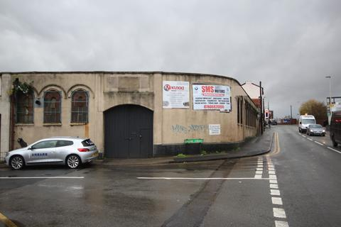 Property to rent -  Engine Street, Corner of Rolfe Street, Smethwick, B66