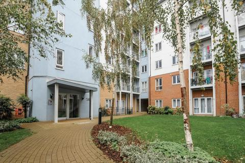 1 bedroom apartment to rent - Foundry Court,  Slough,  SL2
