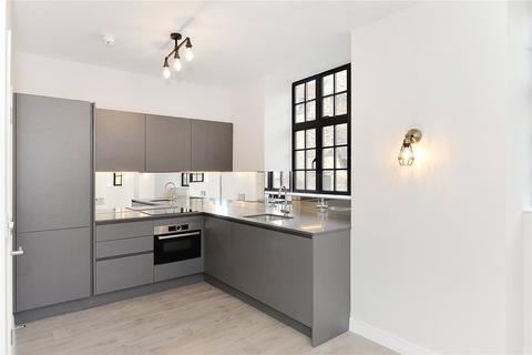2 bedroom flat to rent - Turner Street, London, E1